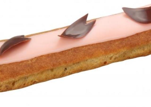「ラ・メゾン・デュ・ショコラ」も桜満開 桜とベリー風味の極上エクレール