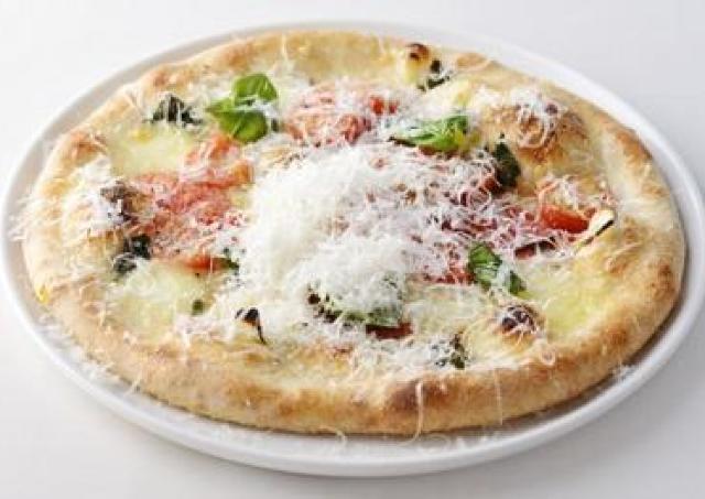 チーズ専門商社のカフェが青山にオープン モッツァレラのマルゲリータがおいしそう!