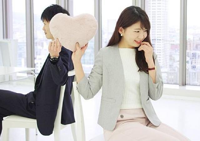 既婚女性の50%が社内恋愛 会社にバレるリスクを上回るメリットはあるの?