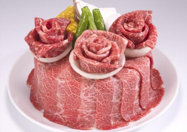 瞬殺必至! 牛角「肉の日」4980円の「肉ケーキ」が290円に