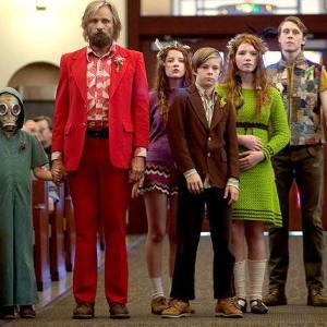 映画「はじまりへの旅」/森で暮らす風変りな家族 トラブル続出のロードムービー