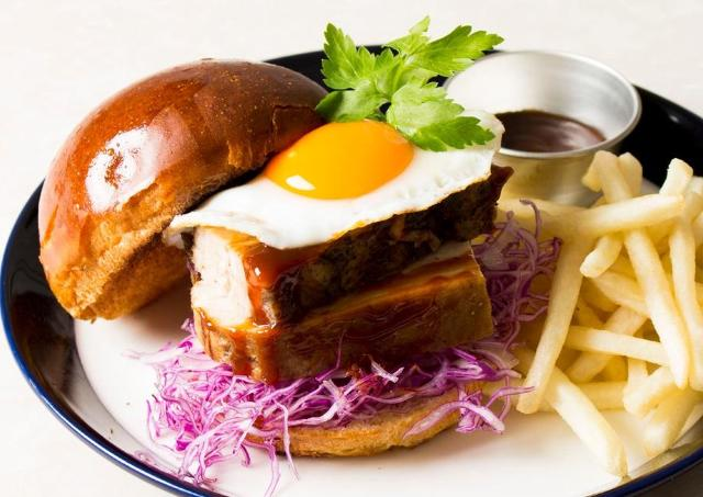初日は「300個」無料提供! 横浜にグルメバーガーカフェ誕生