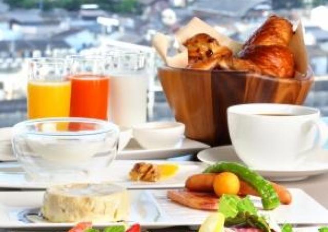 京都の食材を取り入れたシェフこだわりの朝食! 新メイン料理の提供スタート