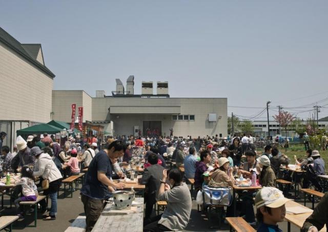 爽やかな屋外でビール&ジンギスカン!小樽ビール銭函醸造所でお祭り