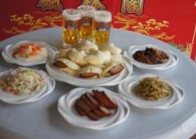 大阪市内最大級のビアガーデン アポロビルで本格中華を好きなだけ