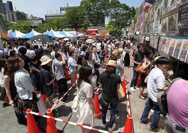 タイ料理や雑貨がズラリ 修好130周年を盛り上げる「タイフェスティバル」