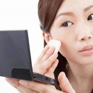 悩ましい「赤ら顔」にサヨナラ! 根本原因にアプローチする専用化粧水を発見