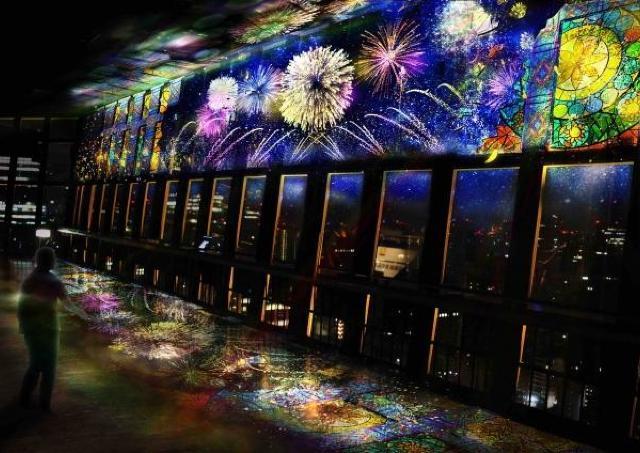 花火、海、オーロラ... 東京タワーで夏のプロジェクションマッピング開催中