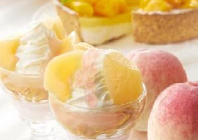 みずみずしい桃と濃厚なマンゴーを堪能! 夏のスイーツビュッフェ