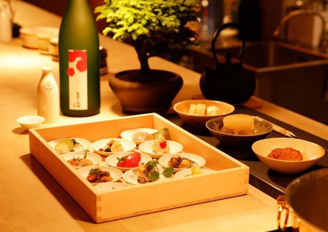 新潟日本酒×老舗料亭の味 恵比寿に粋な立ち飲み酒場OPEN