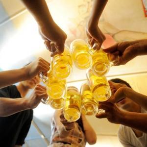 バドワイザー何杯飲んでも1000円! 新橋ビアカーニバルが祝日得企画