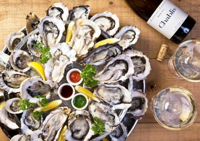 【牡蠣好きに朗報!】目黒オイスターバーがフード全品半額のオープン企画