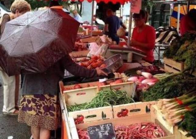 美味しさ集まる!生産者と消費者が繋がるFarmer's Market開催