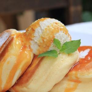 ふわふわ食感がクセになる! 「幸せのパンケーキ」都内4号店が池袋にオープン