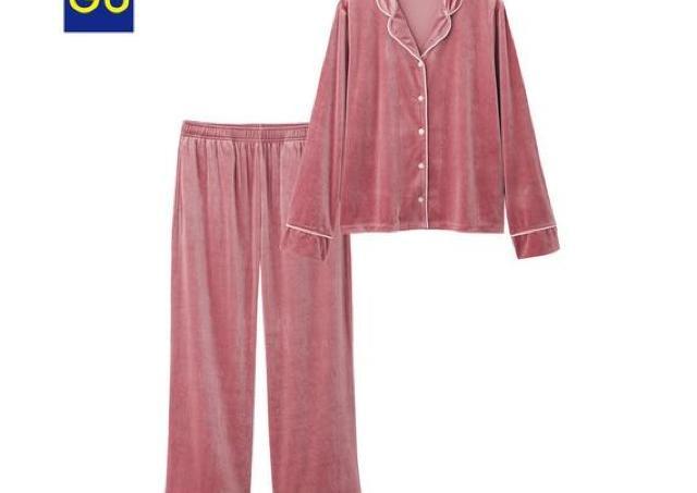 売り切れ必至!「ベロア素材」のGUパジャマは爆速で入手せよ