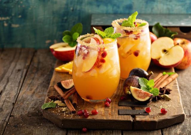 人気イベント「酒フェス」 今回はサングリア10種を自由に飲み比べ!