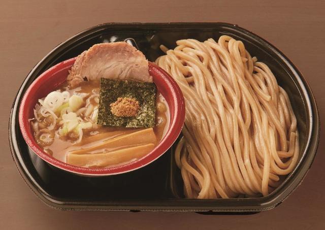 【価格破壊】1杯500円で食べ比べ!「大つけ麺博」、麺好きは黙って行くべき