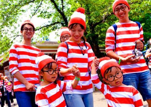 全員で丸メガネ&ボーダー姿に! 「ウォーリー」に扮するランイベント