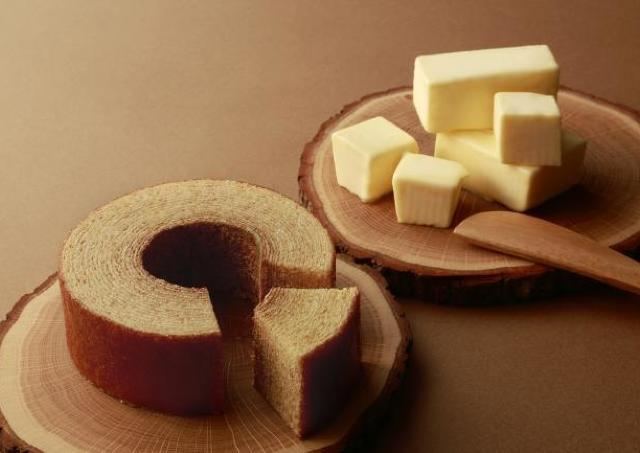「白い恋人」メーカーから新作! 最高品質道産バターのバウムクーヘン