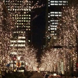 丸の内がシャンパンゴールド一色に! 煌めく街で夜散歩はいかが?