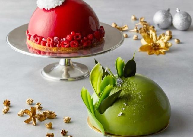 クリスマスレッドと抹茶グリーンのムースドームでパーティを華やかに!ドームケーキ予約開始