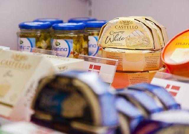 国内外のチーズを試食! 恒例「チーズフェスタ」へ行こう