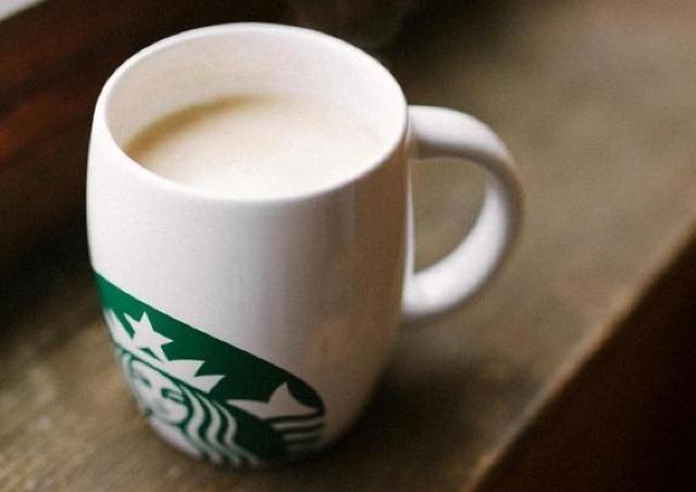 スタバの無料カスタマイズ、冬は黙って「ブラベミルクに変更」が正解!