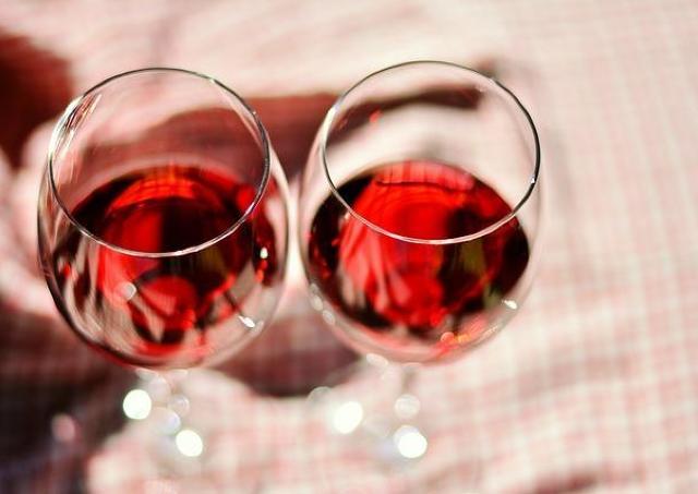 最もコスパのいいボージョレは?「グラス1杯分」のお値段を比較!