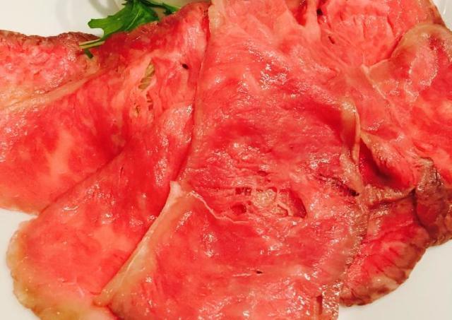 宮崎牛のローストビーフが500円! 数々の賞を受賞した「日本一の肉」を破格で
