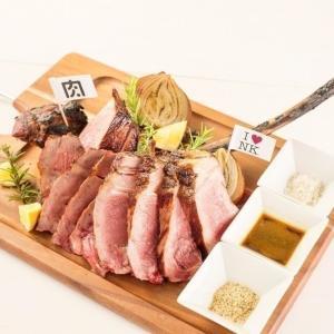骨付きリブステーキ、9229円が破格の2929円に! 肉バルのお得企画