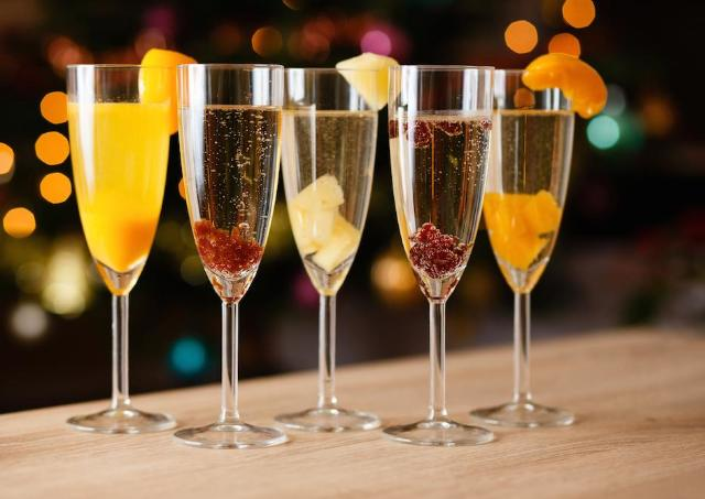 日本酒とワインの泡対決! 6日間にわたる「酒フェスクリスマス」