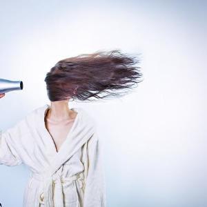 最近、抜け毛増えてない? 今すぐ始めたい「冬の抜け毛対策」6つ