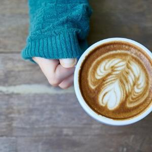 いつものコーヒーに入れるだけ!アンチエイジングできる食材3つ