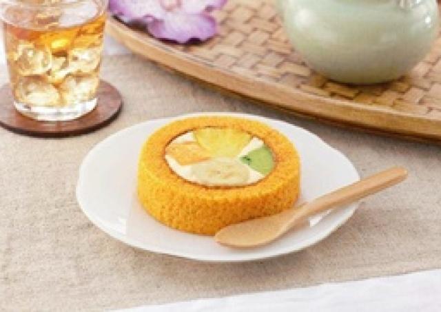 「生フルーツ」の香りにうっとり♪ 夏の贅沢ロールケーキ完成