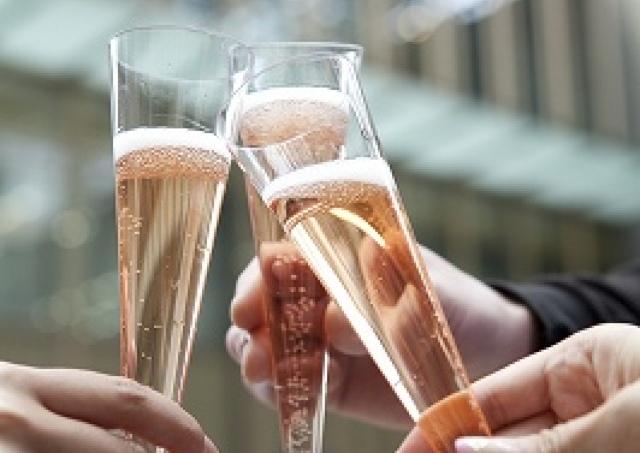 春色スパークリングワイン無料ふるまい♪  東京ミッドタウンの誕生日
