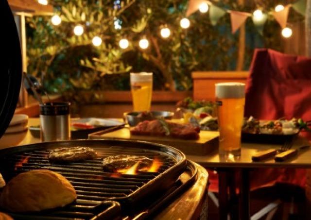 自作バーガー楽しむBBQビアガーデン ルミネ池袋にオープン