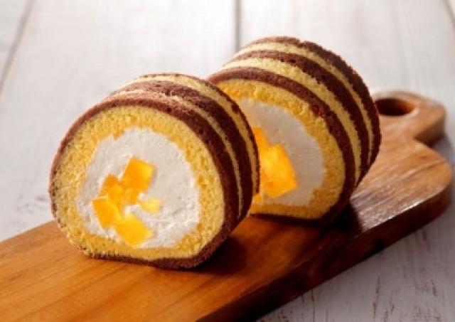 ミツバチカラーがキュート 「さっぱち蜂蜜」たっぷりロールケーキ