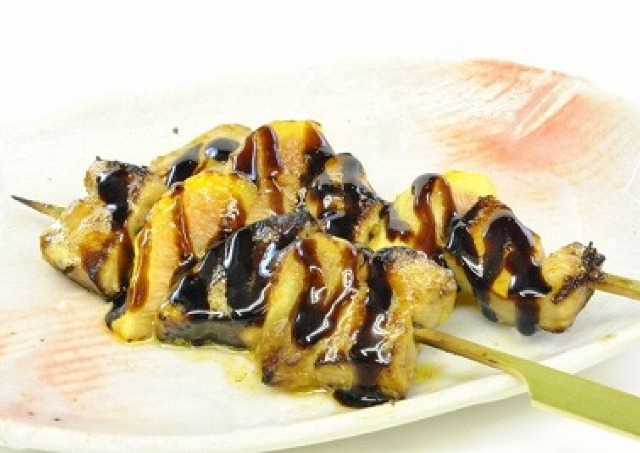 フォアグラ&いちじく、牡蠣の和牛巻き... 変わり種「串まつり」