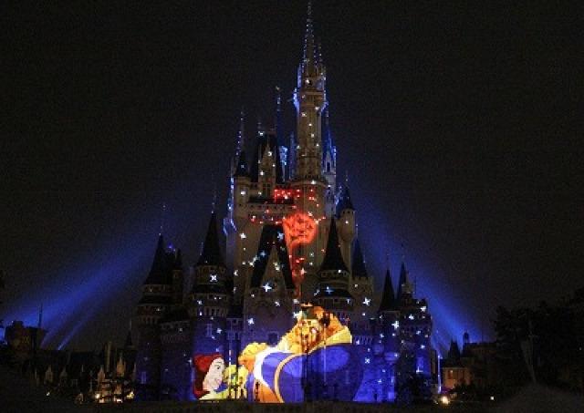 シンデレラ城にアリスやプーさんが浮かび上がる! 東京ディズニーランド初のプロジェクションマッピング公開