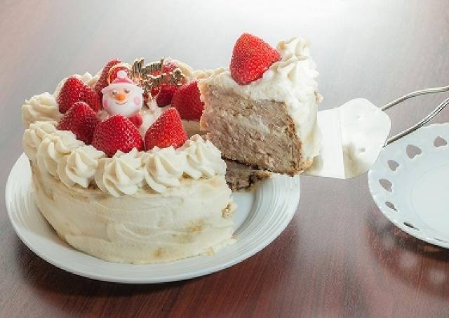Xmasケーキの中身は巨大つくね...! 予想のななめ上をいく「ケーキやきとり」登場