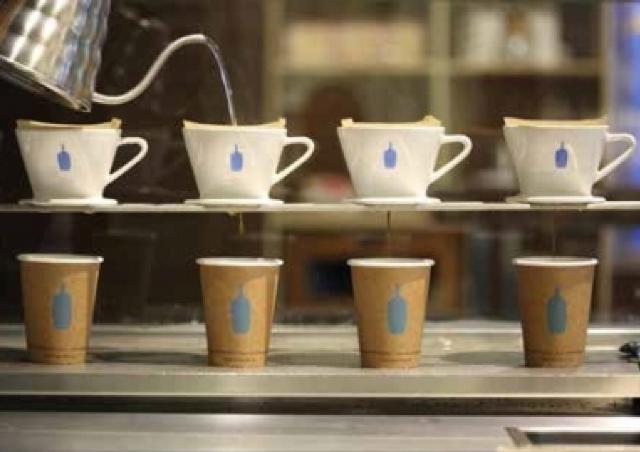 コーヒー界の新たな黒船「ブルーボトル」 東京・清澄白河に海外1号店