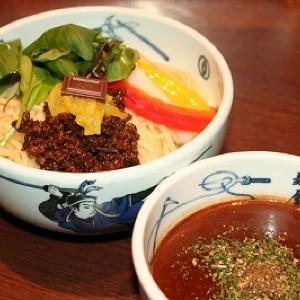 チョコラーメン初の「つけ麺」に ロッテ×麺屋武蔵の恒例コラボ