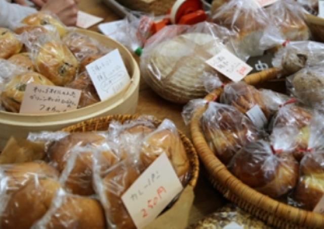 「おかずパン」片手に花見へ行こう 吉祥寺にベーカリー集結「パンイチ!」