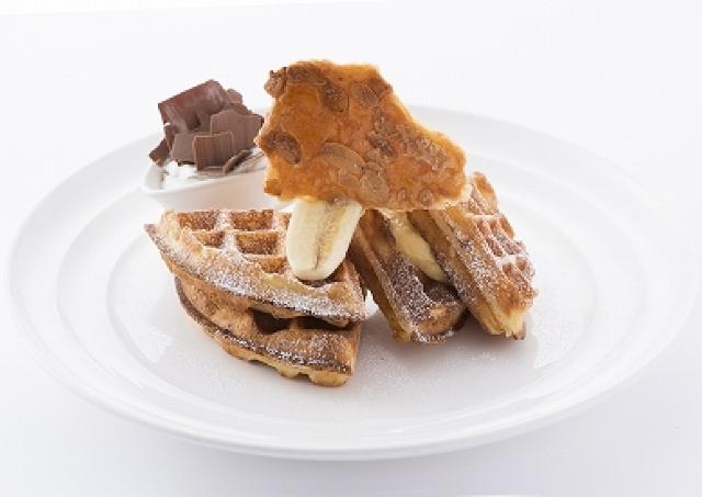 NYの朝食の女王「サラベス」から水曜だけのご褒美 初夏はバナナクリームワッフル