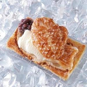 新ハイブリッドスイーツ「クロワッサンたい焼きアイス」 専門店「Croissant Taiyaki ICE」がオープン