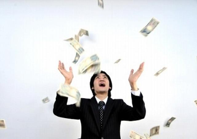 女のホンネは「年収1000万円で貯金ゼロより、年収300万円の貯金できる男がいい!」
