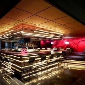 木曜は早めに集合 「ヒルトン東京」で女子限定のシャンパンフリーフローパーティー