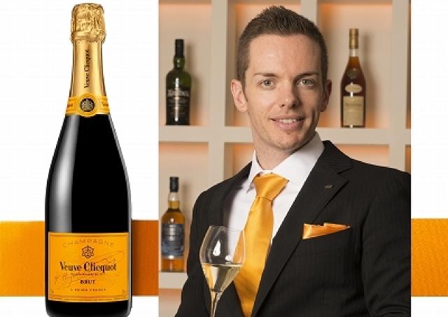 地上100メートルのレストランで夢の一夜を シャンパン「ヴーヴ・クリコ」を楽しむ15人だけの夜会