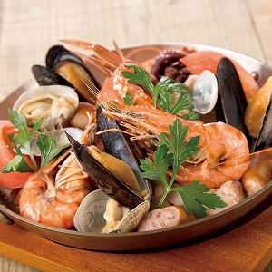赤レンガで「北欧・ヨーロッパ」グルメ旅 「フィッシャーマンズマーケット」の世界料理フェア第3弾