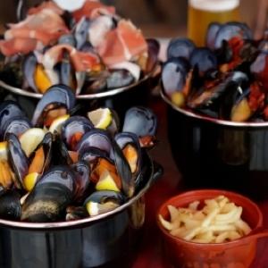 ムール貝とフライドポテトのセット「ムール&フリット」って知ってた? 日本初専門店が三軒茶屋にオープン